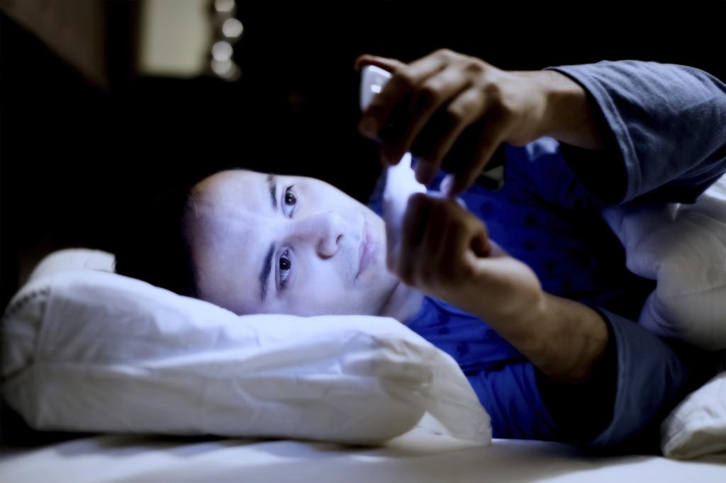 dependenta-de-smartphone